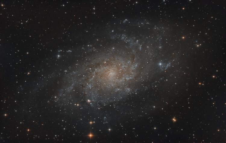 Vorige weekend naast de M 42 data ook bezig geweest met M 33 als voorafje. Heb dit object in 2011 oo