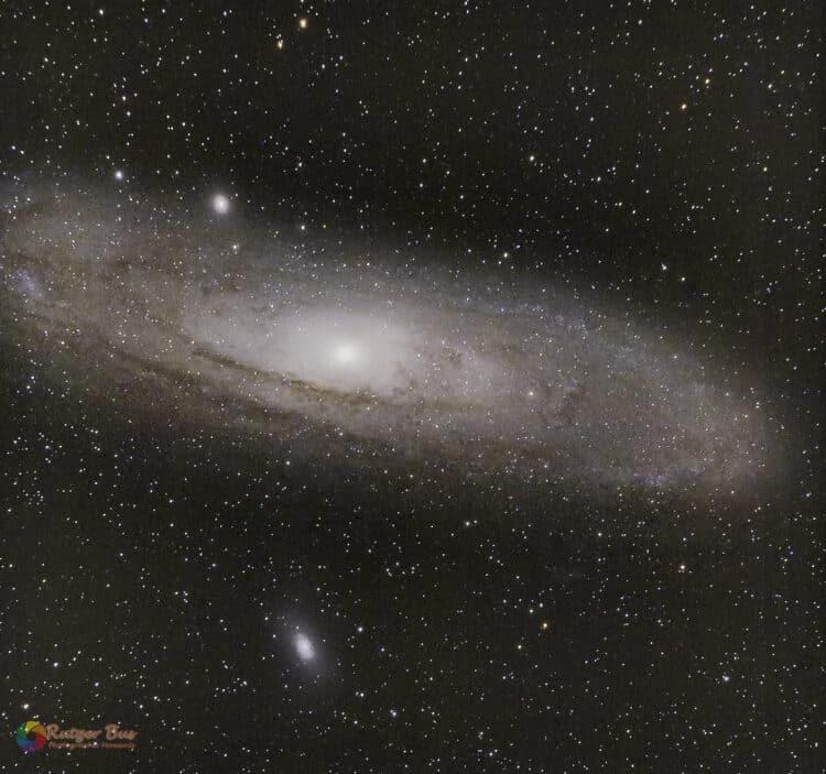 Gisteren een testrun gedaan op M31 met de Meade LXD 6″ Schmidt Newton. Uiteraard gaat het nooi