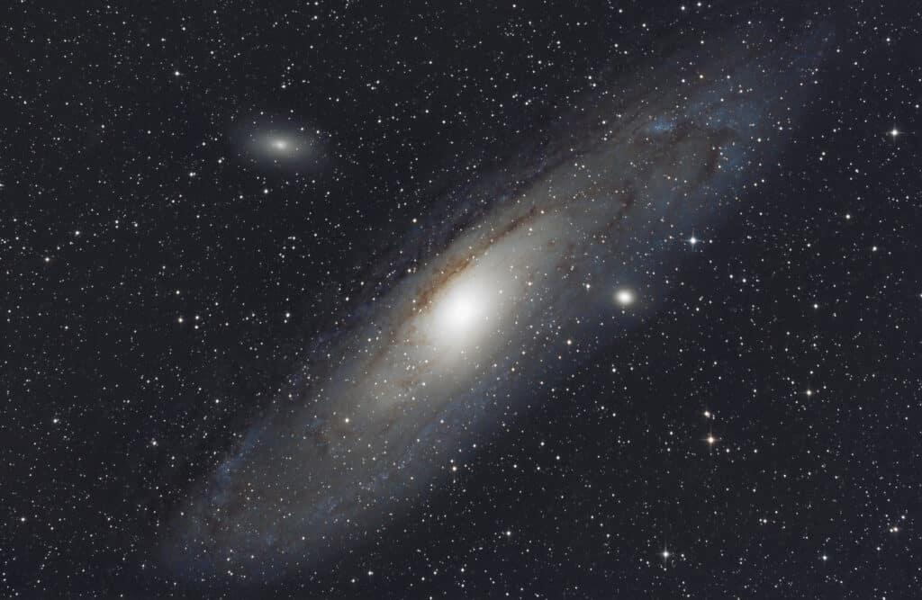 Firstlight met een beperkt aantal subs van Andromeda
