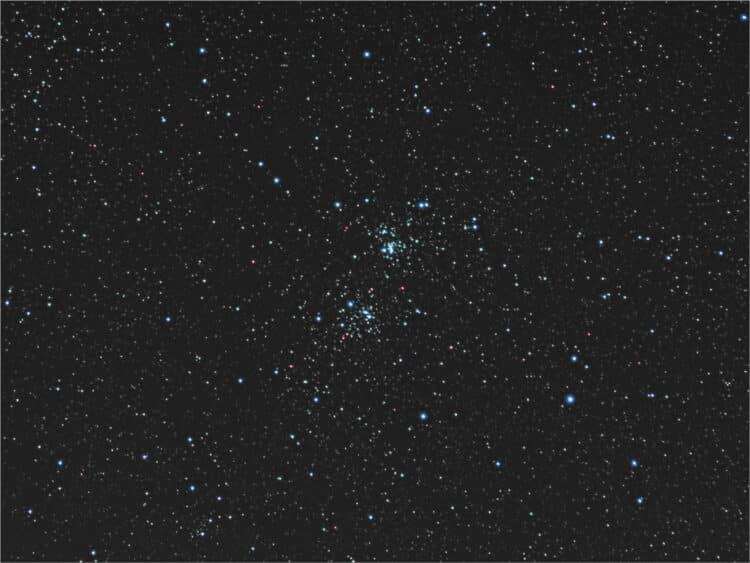 """Dubbel cluster NGC 869/884 Het was zaterdagavond helder genoeg om met mijn geïmproviseerde """"w"""