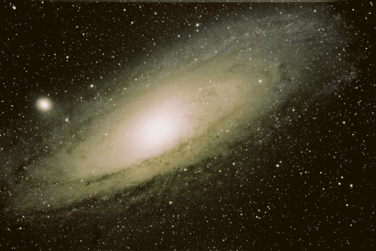 De Andromedanevel M31 op 28 november mbv van de TEC 140 F7 van Copernicus te Overveen 4x 16 min ISO