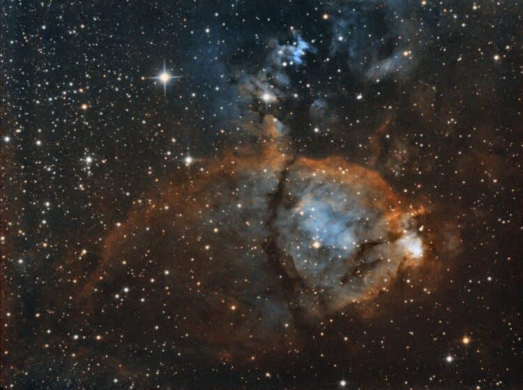Ik ben een tijdje bezig om de fishhead nebula te fotograferen, gisteren heb ik even vlug een bico in