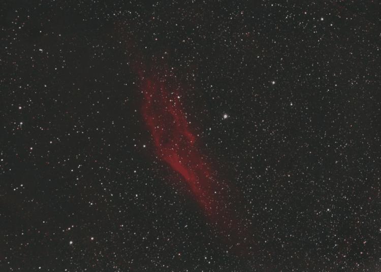 Een opname van uit Haarlem van NGC1499 (California nevel) een samenvoeging van 75 oude opnames van 4
