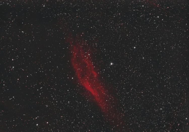 Bedankt Vincent! het strechen helpt.NGC 1499 California nevel ca 3 uur 76x45s en 60x120s ISO 800 LPF