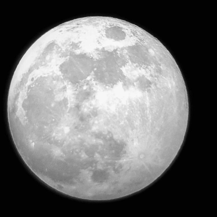 Full moon! Geen top kwaliteit. Maar wel blij met deze foto. Gemaakt door de Skywatcher en mijn Samsu