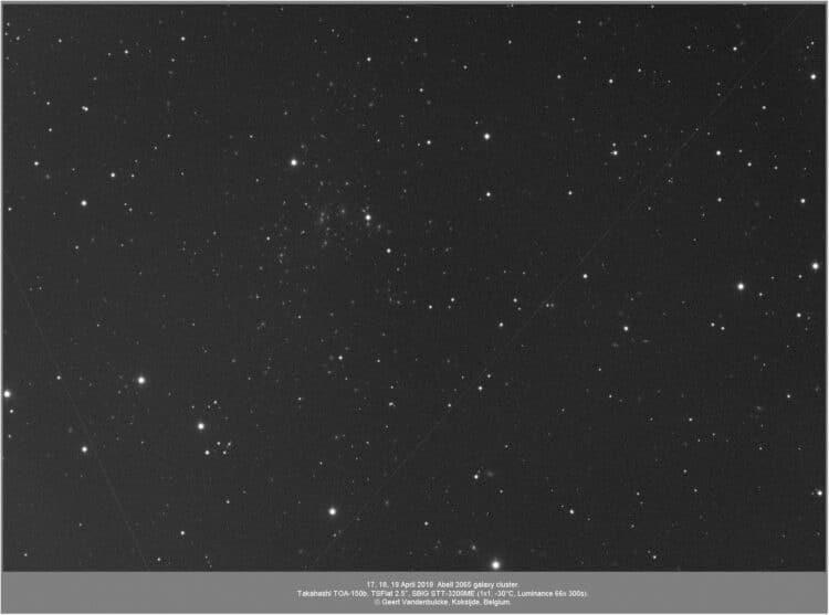 Tijdens het zoeken naar een geschikt object zag ik Abell 2065 in Corona Borealis. Geen opvallend o