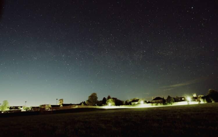 Nog een sfeeropname uit Coldstream Scotland. 10 mm Canon groothoeklens.Cygnus_9-5-2018_2x0,5 min 10m