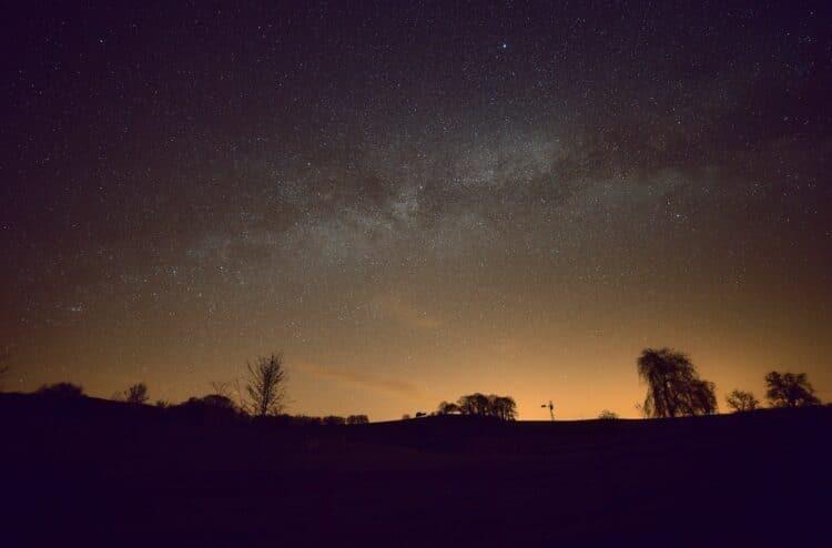 Object: Milky Way Lokatie:Grandpre – Frankrijk Datum: 13-4-2018 Camera: Canon 6D Opnames: 3 x