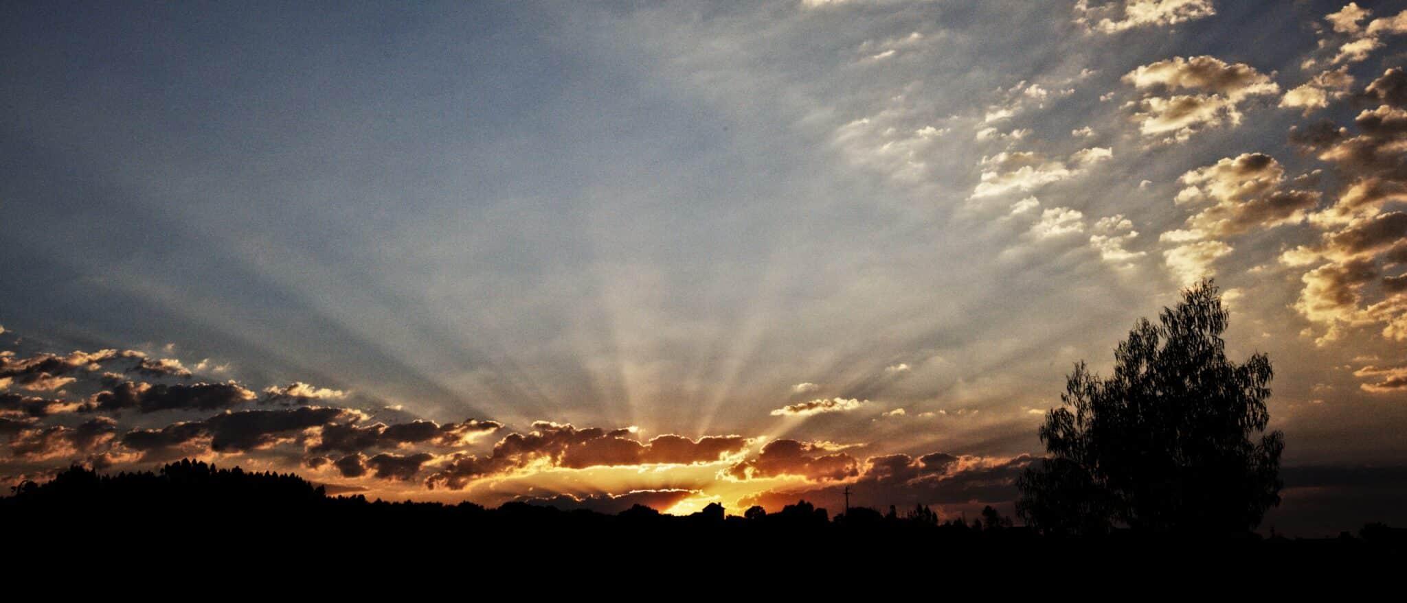 Vanmorgen is het de eerste keer gelukt omnaast de crepuscular rays ook de anti-crepuscular rays va