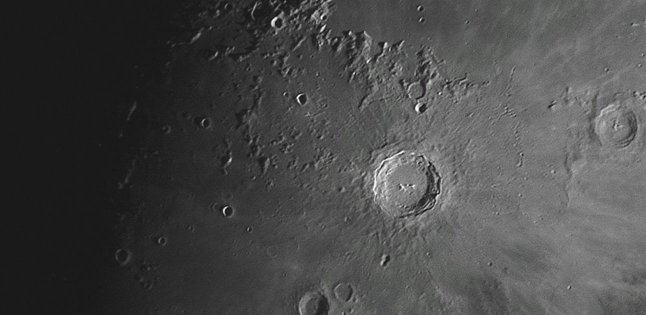 Opnames van de Maan op 17 december 2018. Het was helaas niet helemaal helder, maar ben toch maar aan