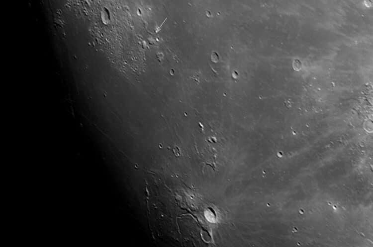 Op de Maan zijn een groot aantal Domes aanwezig ook wel Schildvulkanen genoemd. Deze Domes zijn gevo