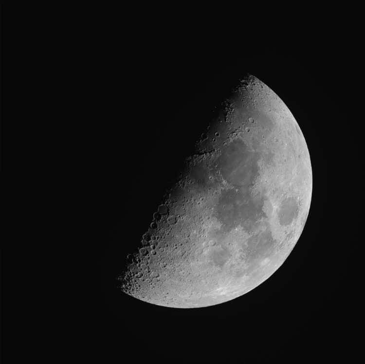 Een kleine drie weken geleden liet Hans (@hansvanoverzee) ons een fraaie plaat van de volle Maan zie