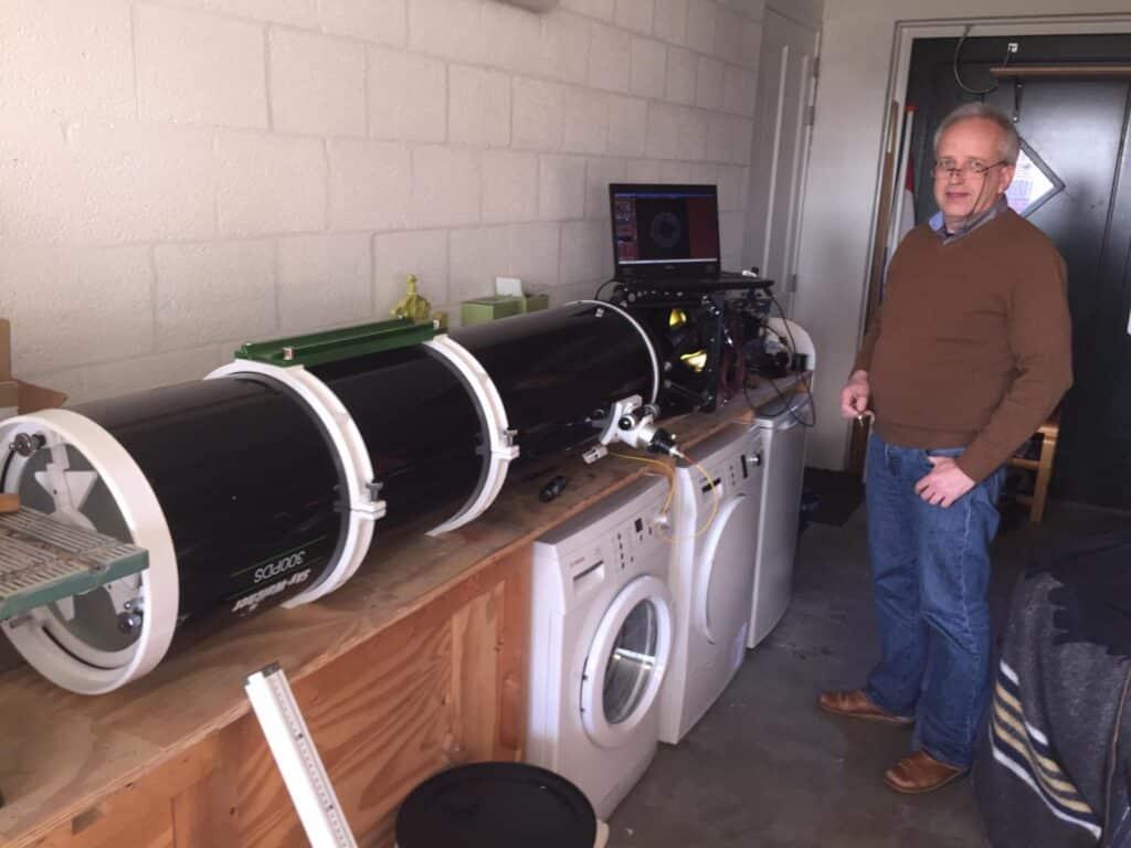 Omdat ik onze spaarzame heldere nachten koester en ik net een nieuwe telescoop heb gescored (RC-10 /