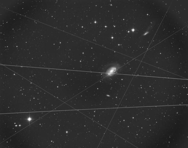 Als het boven niet meer wil moet het maar anders . . . The North Drenthe Nebula with Champignon Dit