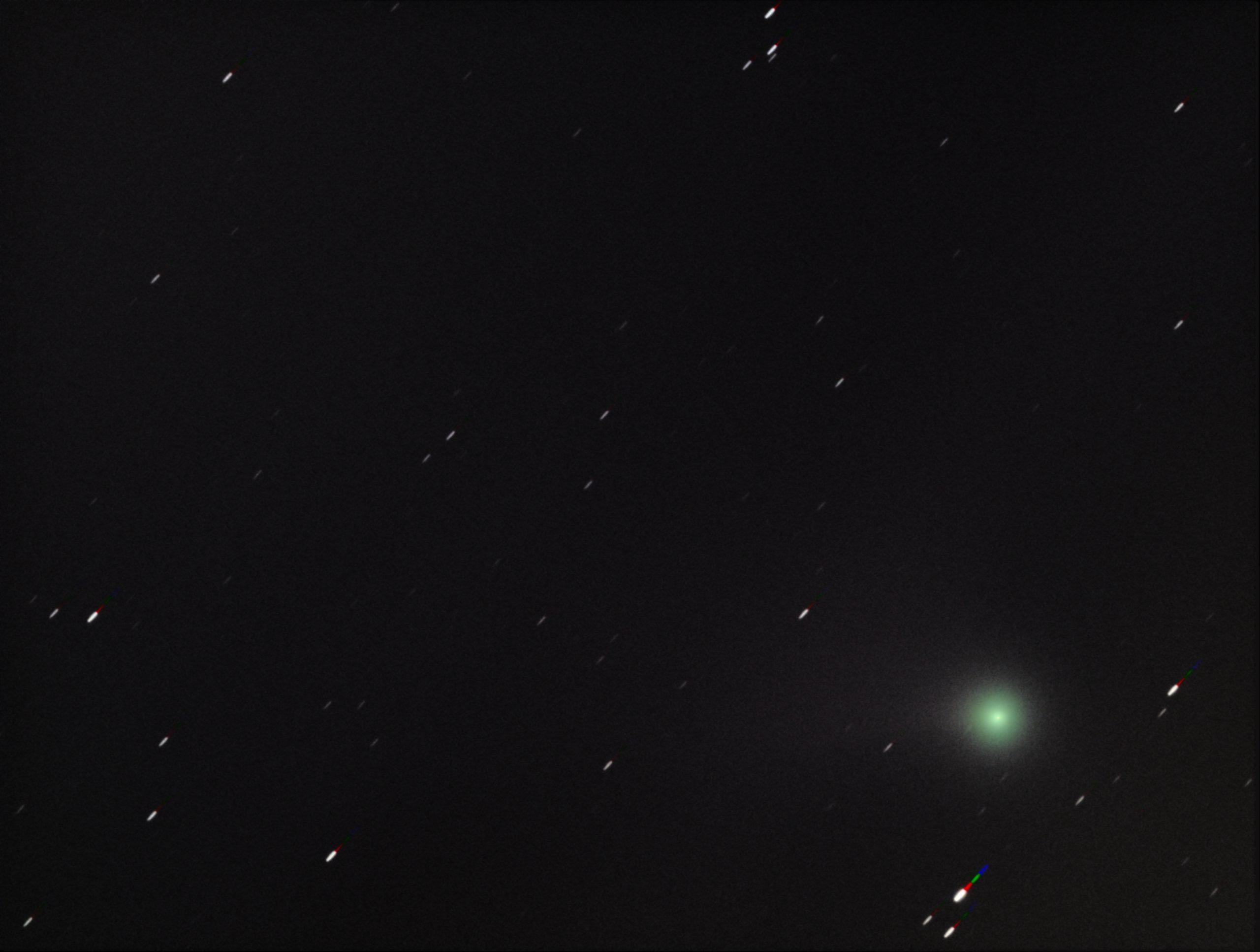 Neowise is nu een beetje een glow-in-the-dark ornament aan het worden. Naarmate de tijd vordert neem