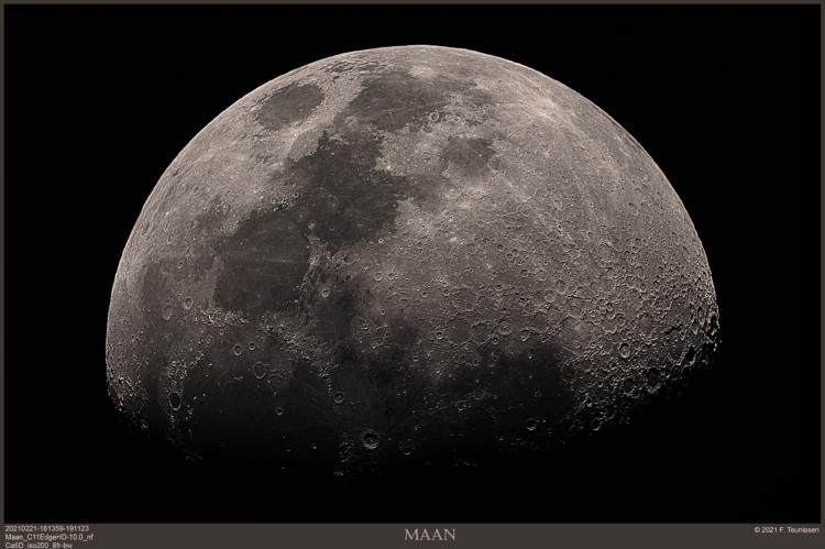 Maan met een dslr 21 februari 2021 Nog een plaatje van de Maan in het primaire brandpunt van de 11&#
