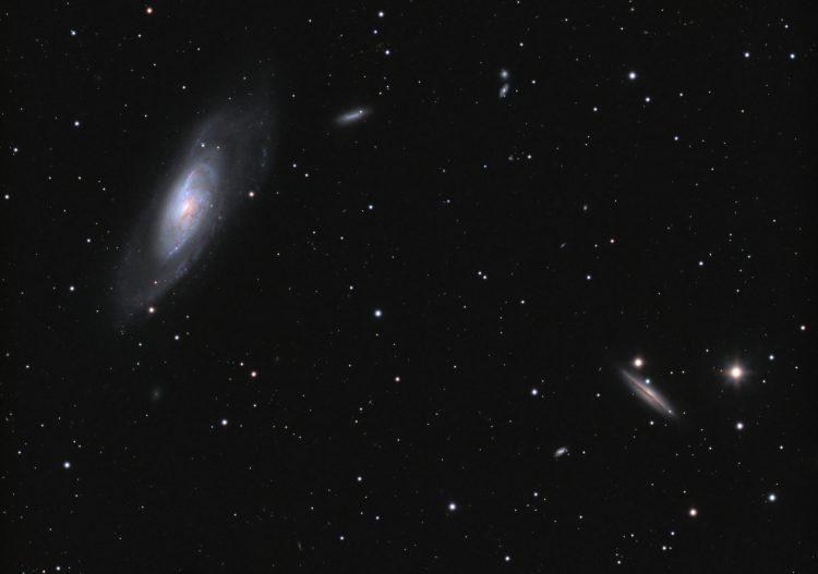 Afgelopen nacht was het weer eens helder en heb ik M106 (NGC4258) en omgeving maar eens op de korrel